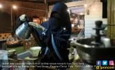 Kafe Islami, Karyawan Perempuan Bercadar - JPNN.COM