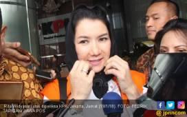 KPK Sita Barang Palsu, Mbak Rita Tertawa - JPNN.COM