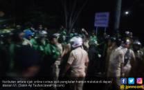 Ojol Vs Opang Pecah di Depan Stasiun UI - JPNN.COM