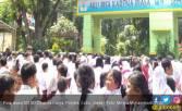 Gempa Sesaat, Siswa Berhamburan ke Luar - JPNN.COM