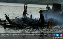 8 Kapal Pukat dan 2 Kapal GT 5 Dibakar Nelayan Belawan - JPNN.COM
