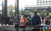 Tenteng Tas Hitam, Novanto Datangi KPK - JPNN.COM