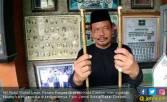 Pak Kiai Simpan Tongkat Bung Karno dan Kapak Wiro Sableng - JPNN.COM