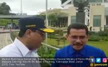 Jokowi Poles PLBN Entikong, Pejabat Malaysia Terkesima - JPNN.COM