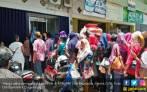Dana PKH Cair, Warga: Gimana Caranya Tarik Uang Lewat ATM? - JPNN.COM