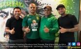 Pelatih Persebaya Puji Striker Buangan Bhayangkara FC Cerdas - JPNN.COM