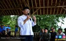 Buruh Bekasi Curhat ke Kang Emil Soal UMSK Molor - JPNN.COM