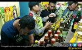 Warung Jamu di Cikarang Simpan 12 Botol Miras - JPNN.COM