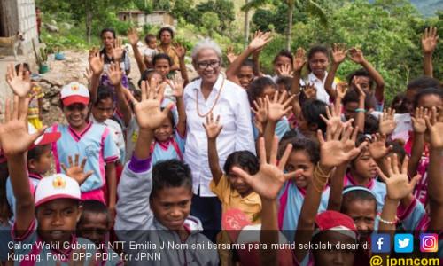 Mama Emi Ajak Kaum Perempuan NTT Bersatu Cetak Sejarah Baru