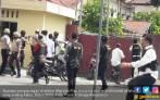 Kesaksian Wartawan Korban Aksi Terduga Teroris di Polda Riau - JPNN.COM