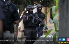 Densus 88 Bawa Dua Terduga Teroris Bungo ke Jakarta - JPNN.com