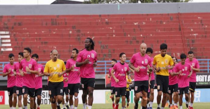 Skuat Borneo FC saat jalani sesi latihan. Foto: kaltimpost/jpg