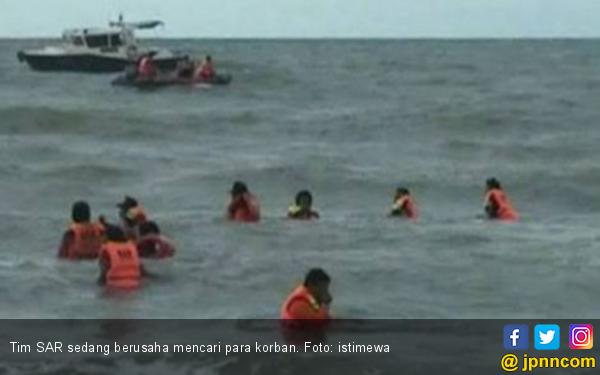 Kapal Nelayan Terbalik di Pantai Lugina, Dua Nelayan Dilaporkan Hilang