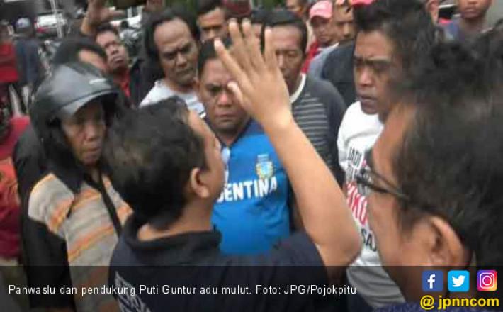 Panwaslu dan Pendukung Puti Adu Mulut karena Baliho Soekarno
