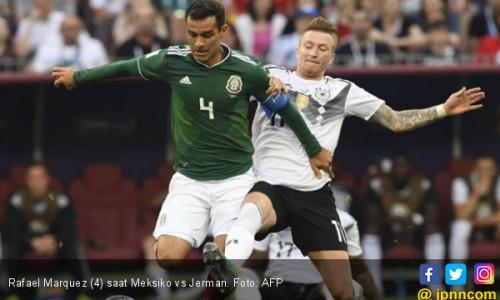Dicekal AS, Rafael Marquez Dilarang Minum Air Tim Meksiko