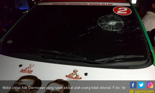 Mobil Ustaz Pembongkar Umrah Fiktif Edy Dirusak