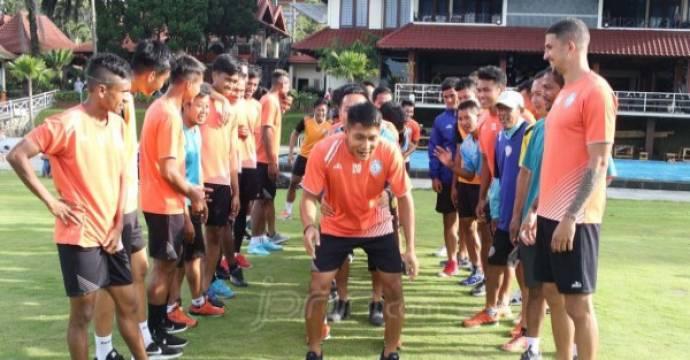 Pemain Arema FC latihan. Foto: Darmono/Radar Malang/dok.JPNN.com