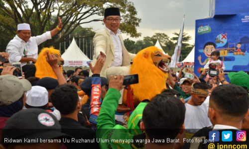 Jokowi KW Hadir di Kampanye Akbar Pasangan Rindu