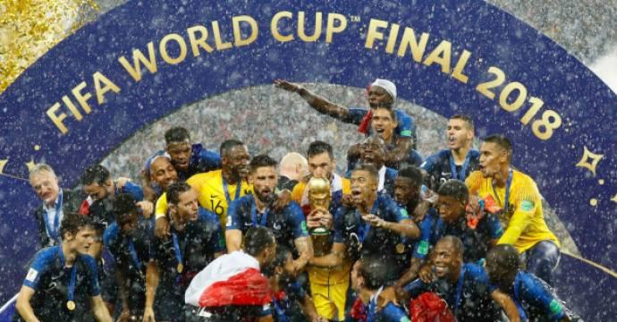 Tim nasional Prancis saat selebrasi usai dinobatkan sebagai juara Piala Dunia 2018 di Stadion Stadion Luzhniki, Moskow, Minggu (15/7). Foto: REUTERS