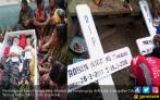 Isak Tangis Iringi Pemakaman Dua Bocah yang Dibunuh Sang Ibu - JPNN.COM
