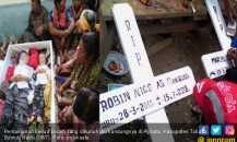 Isak Tangis Iringi Pemakaman Dua Bocah yang Dibunuh Sang Ibu