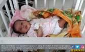 Ayo Ngaku, Siapa Tinggalkan Bayi dan Uang di Teras Warga? - JPNN.COM