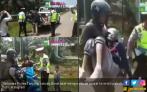 Viral, Polisi Setop Pemotor Bonceng 3, Ternyata Bawa Jenazah - JPNN.COM