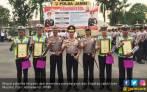 Bantu Warga Bawa Jenazah, Empat Polantas Jambi Dapat Reward - JPNN.COM