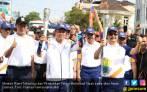 Dukung Asian Games, Menteri Nasir Bawa Obor di Bukittinggi - JPNN.COM