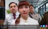 Roro Fitria Curhat, Diminta Segera Menikah - JPNN.COM