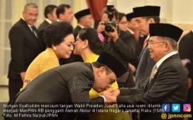 Jadi Menteri, Syafruddin Cium Tangan Pak JK dan Bu Mega - JPNN.COM