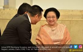 Ketua DPR Salah Ucap Nama, Megawati Cuman Tertawa - JPNN.COM