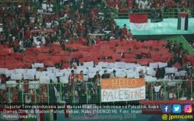 Terharu, Mata Pemain Palestina Berkaca-kaca - JPNN.COM