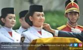 Cerita Tarrisa saat Detik-detik Terima Bendera dari Jokowi - JPNN.COM