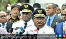 Dukung Jokowi, Gubernur Papua Tak Peduli Sanksi Partai