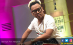 Billy Syahputra Berkelahi dengan Pengacara Kriss Hatta, Begini kata Uya Kuya - JPNN.COM
