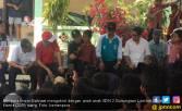 Begini Cara Menpora Semangati Anak-anak di Lombok - JPNN.COM