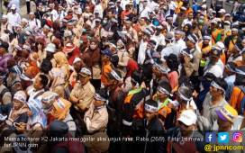 Honorer K2 Gelar Aksi, Titi: Pak Polisi, Kami Jangan Diadang - JPNN.COM