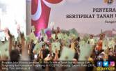 Jokowi Serahkan 10 Ribu Sertifikat Tanah di Tangerang - JPNN.COM