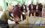 Pak Gubernur Menangis di Makam Pangeran Antasari - JPNN.COM