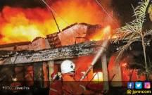 Kebakaran itu Berasal dari Depot Gudeg - JPNN.COM