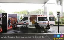 Mercedes Benz Pamer Sprinter Versi Ambulans di Hospital Expo - JPNN.COM