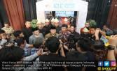 Hidayat Nur Wahid Prihatin dengan Pembakaran Bendera Tauhid - JPNN.COM