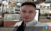 Vicky Prasetyo Tahu Pelaku Pengeroyokan Adiknya? - JPNN.COM