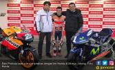 Dani Pedrosa Dapat Kado Indah 2 Motor Balap Honda - JPNN.COM