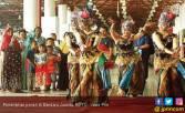 Tampilkan Tarian Tradisional di Bandara Juanda - JPNN.COM