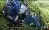 Mobil Berisi Satu Keluarga Terjun ke Jurang 50 Meter - JPNN.COM