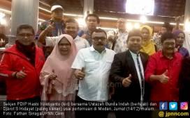 Tekad Ustazah Bunda Indah Bela Jokowi dari Hujatan & Fitnah - JPNN.COM