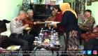 Ayu Banget, Muslimah Bantu Pendeta Sediakan Sajian Natal
