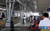 Hari ini Penumpang KA Jarak Jauh Bisa Naik Dari Stasiun Jatinegara - JPNN.COM
